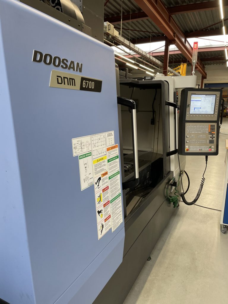 Vernie Metaalbewerking   Nieuw de Doosan DNM 6700